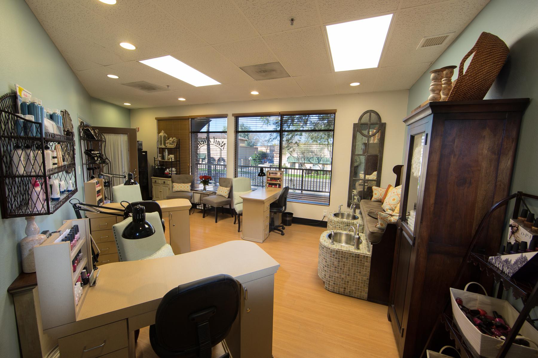Signature Salon Studios 19